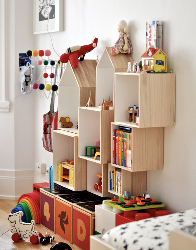 These Cute Shelves In The Home Of Peggy From Paul U0026 Paula Are Perfect For A  Kidsu0027 Play Area, And The Different Depths And Sizes Add A Touch Of Fun.