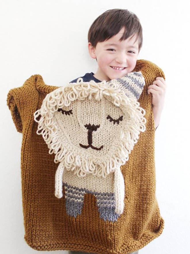 Appi Studio lion knitted baby blanket