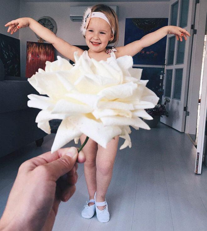 Alya Chaglar white roses