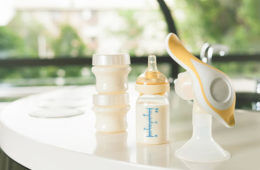 how to clean a breast pump