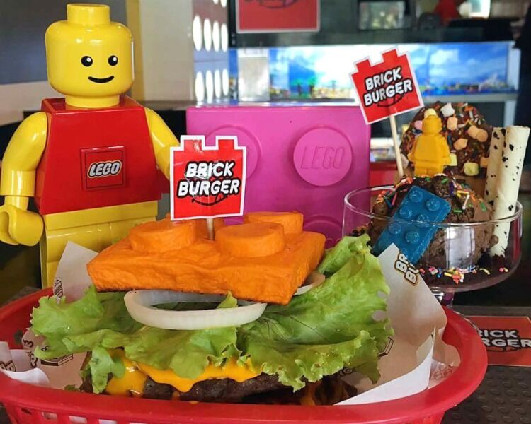 Lego burger with figurines