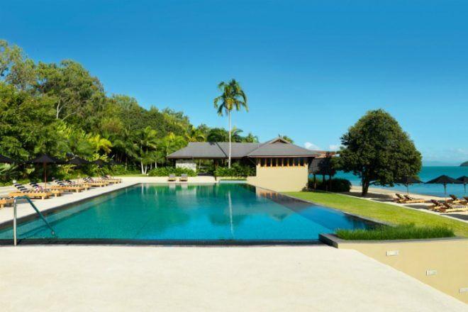 Pool at Qualia Resort