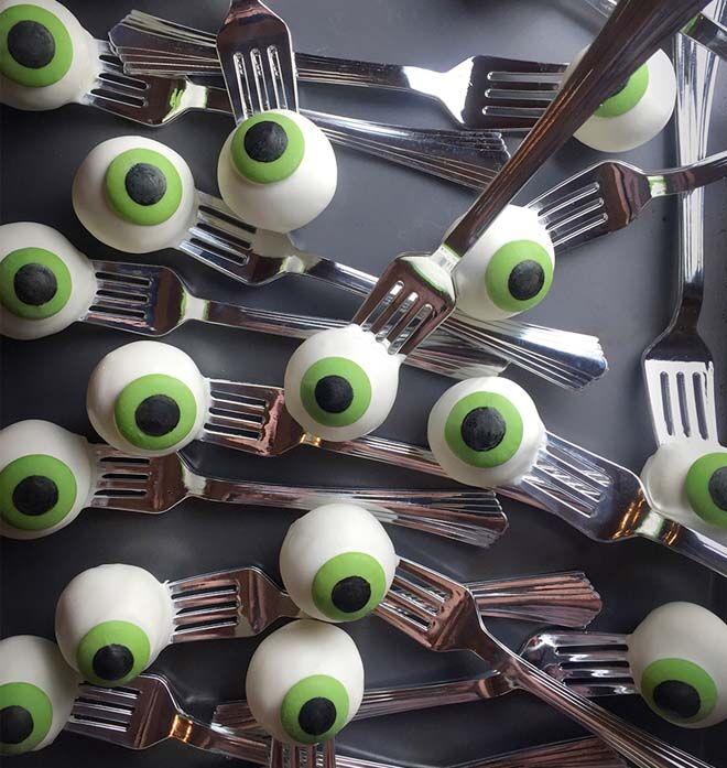 spooktacular Halloween lunch box snacks for creepy kids