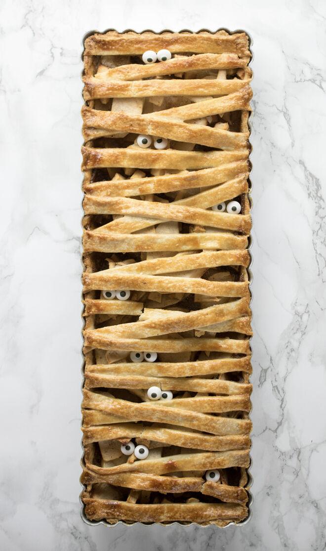 Spooky Halloween dinner ideas, Mummified Apple Pie