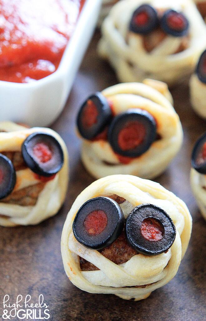 Spooky Halloween dinner ideas, Mummy Meatballs