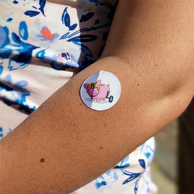 UV indicator sticker by Suncayr spot pig