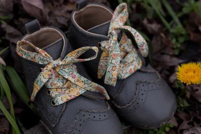 Liberty Pollen shoelaces