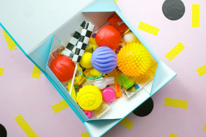 kids party pass the parcel toy box