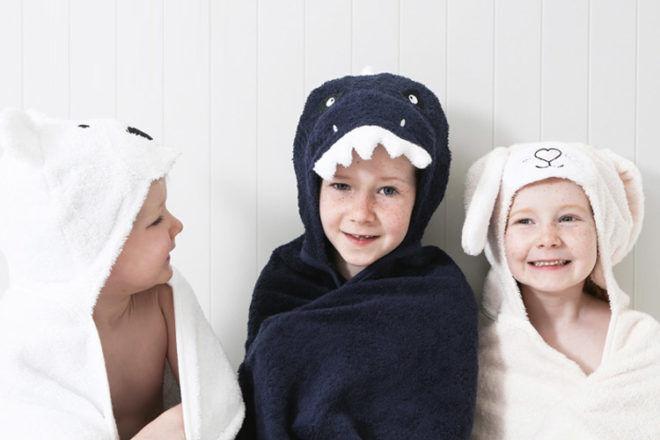 Pillow Talk hooded bath towels