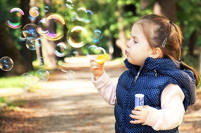 Blowing bubbles as calm down technique