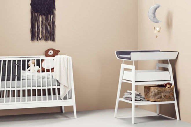 Linea by Leander Change Table