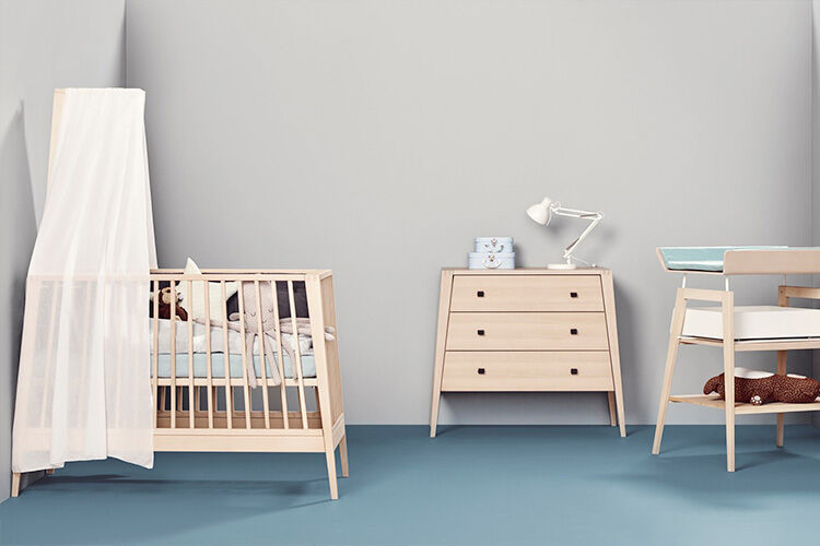 Linea-cot-dresser-and-changer