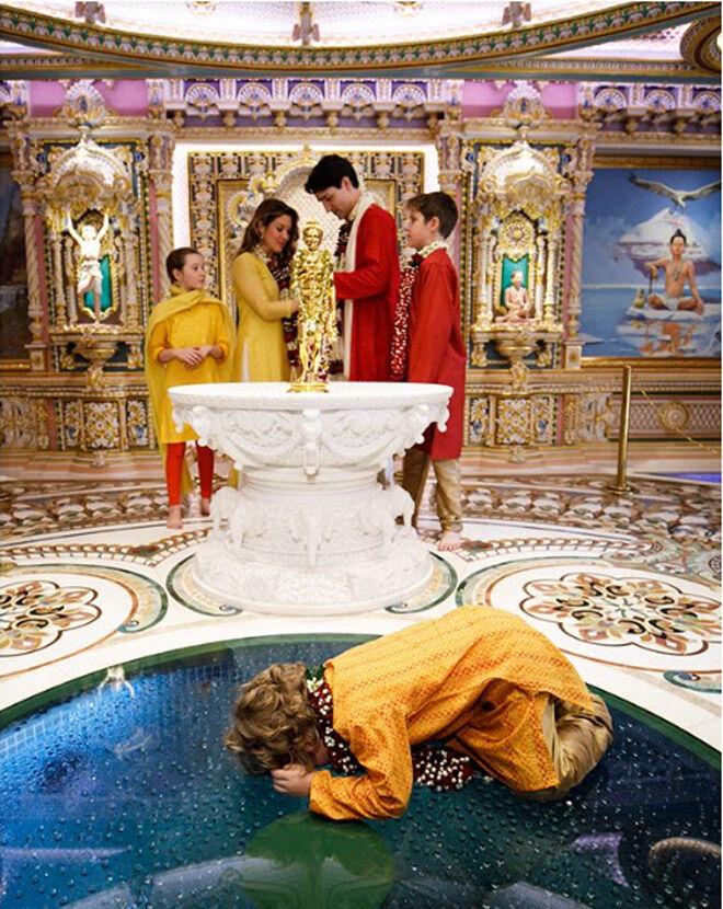 Hadrien Trudeau misbehaving on trip to India