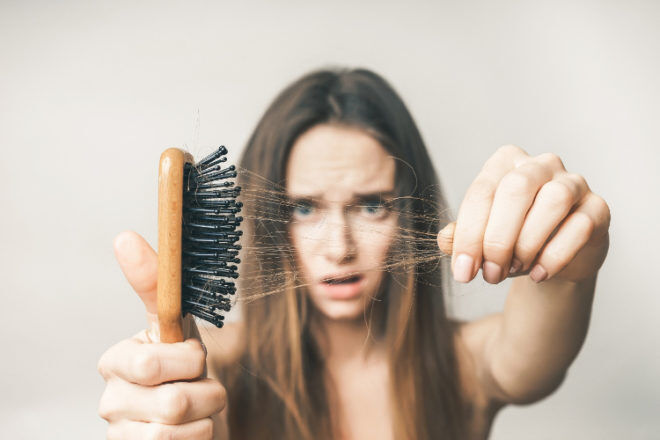 hairbrush mum loss thinning shedding postpartum