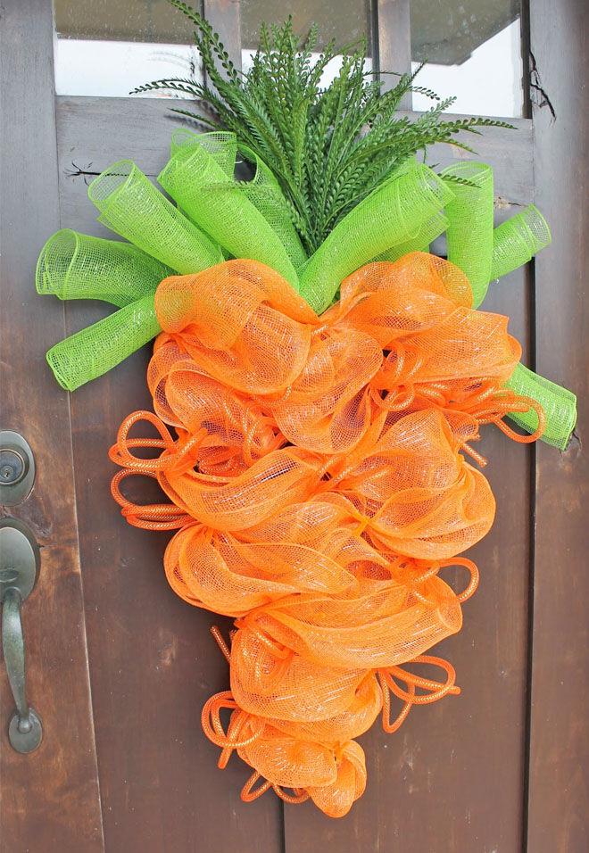 Carrot Easter door decoration