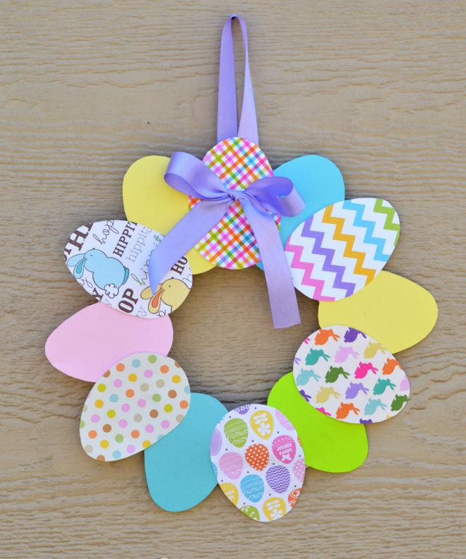 DIY paper Easter wreath