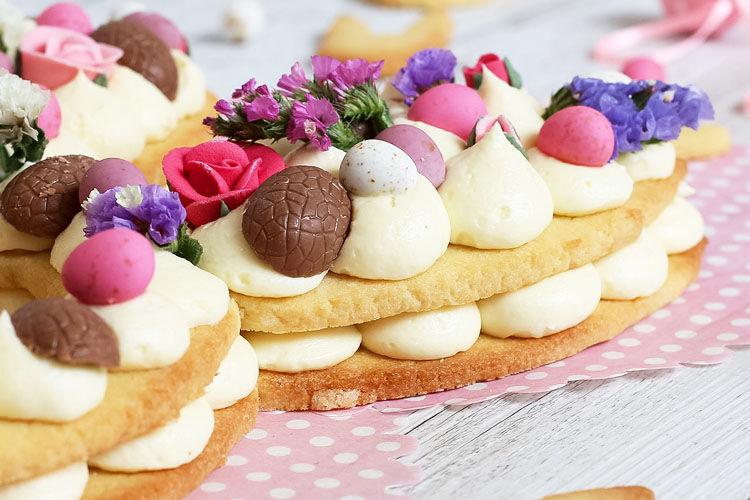 Easter bunny shortbread cake