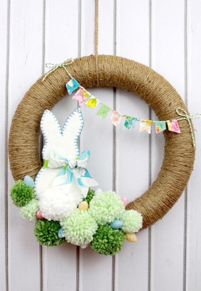 Pom pom Easter wreath