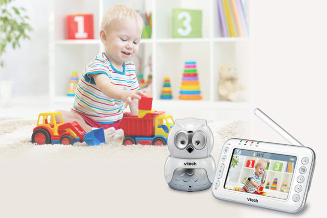VTech BM4500 owl video and audio monitor room