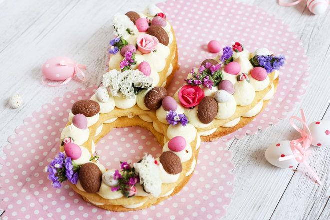 Bunny shortbread cake