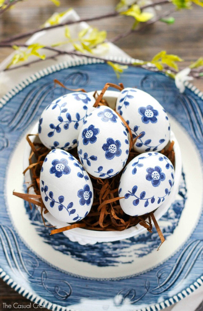 Easter Egg Decorating: paper napkin eggs