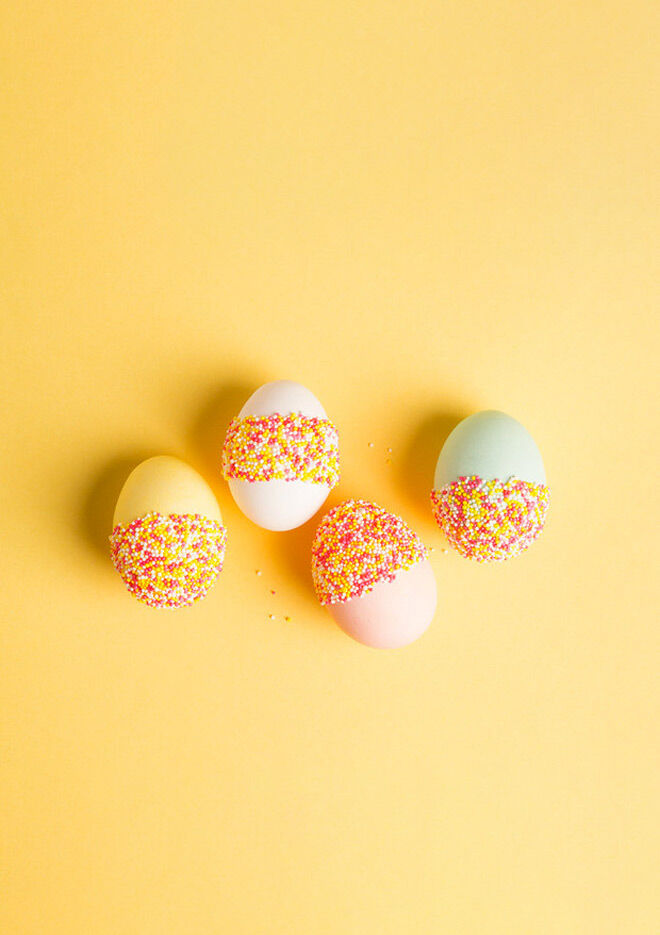 Easter Egg Decorating: sprinkle egg craft