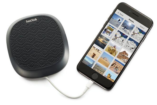 Back up iPhone photos while charging phone IXpand Base