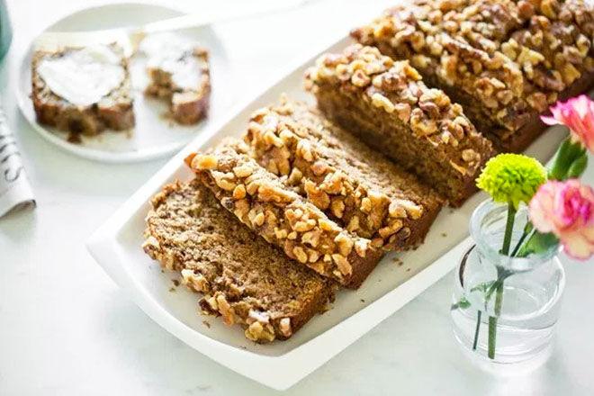 Vegan banana bread for nursing mums