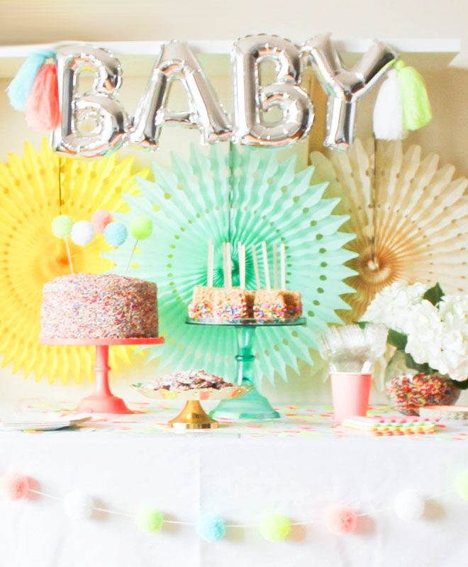 Confetti baby shower table inspiration