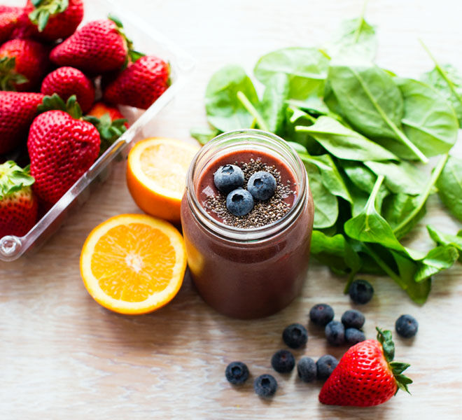 Spinach and berry smoothie