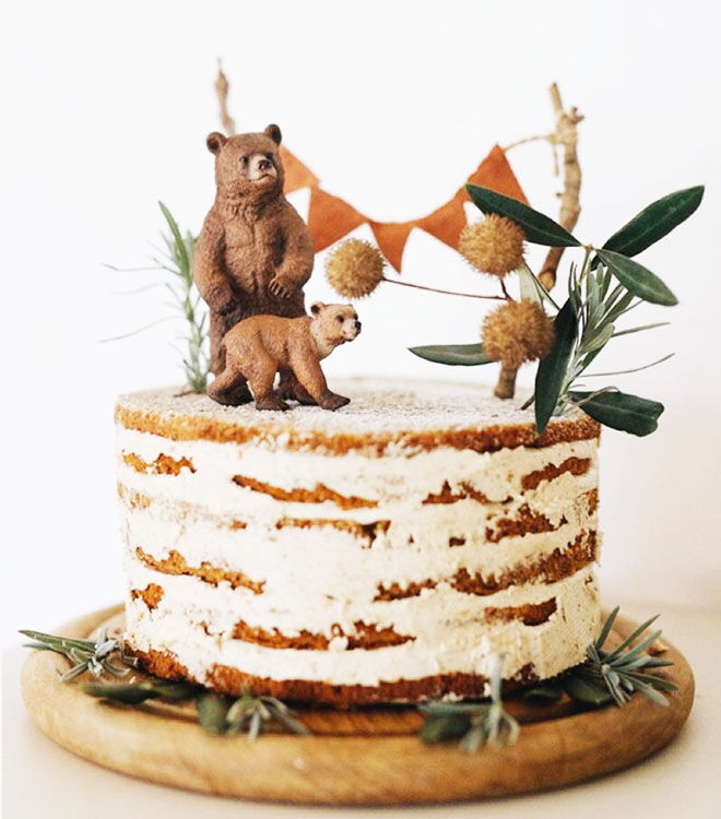 Bears and bunting cake for woodland baby shower via Travel Little One