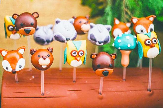 Woodland baby shower cake pops via Kara's Party Ideas