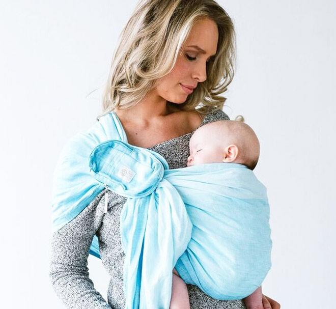 Breastfeeding using a ring sling
