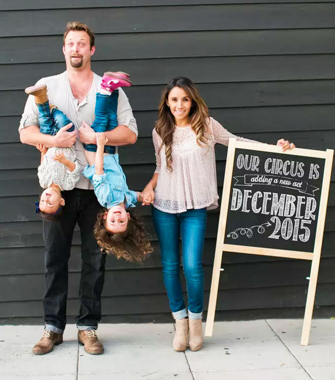 Funny family pregnancy announcement including other children