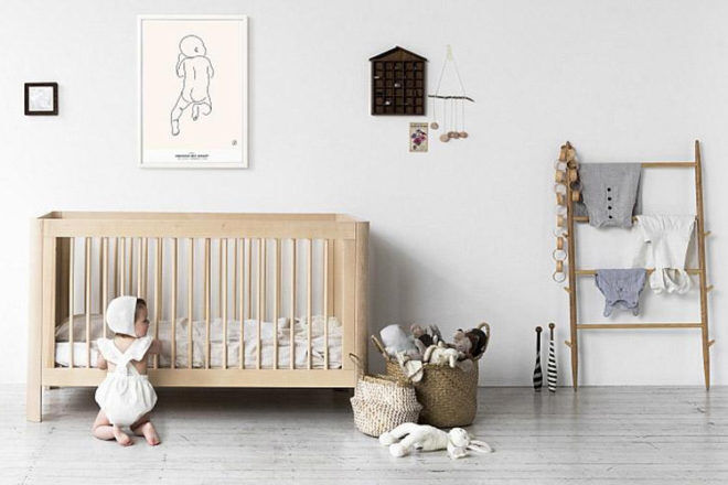 Troll Sun cot in washed white