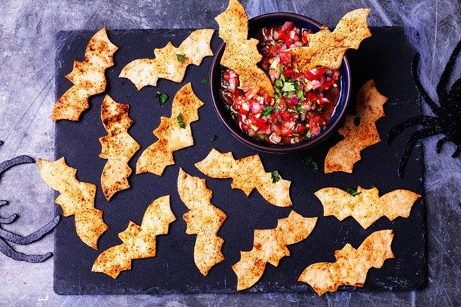 tortilla bats with tomato salsa