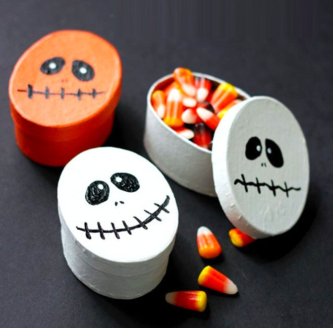 Halloween treat boxes with faces