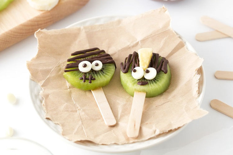 Kiwi pops for Halloween treats