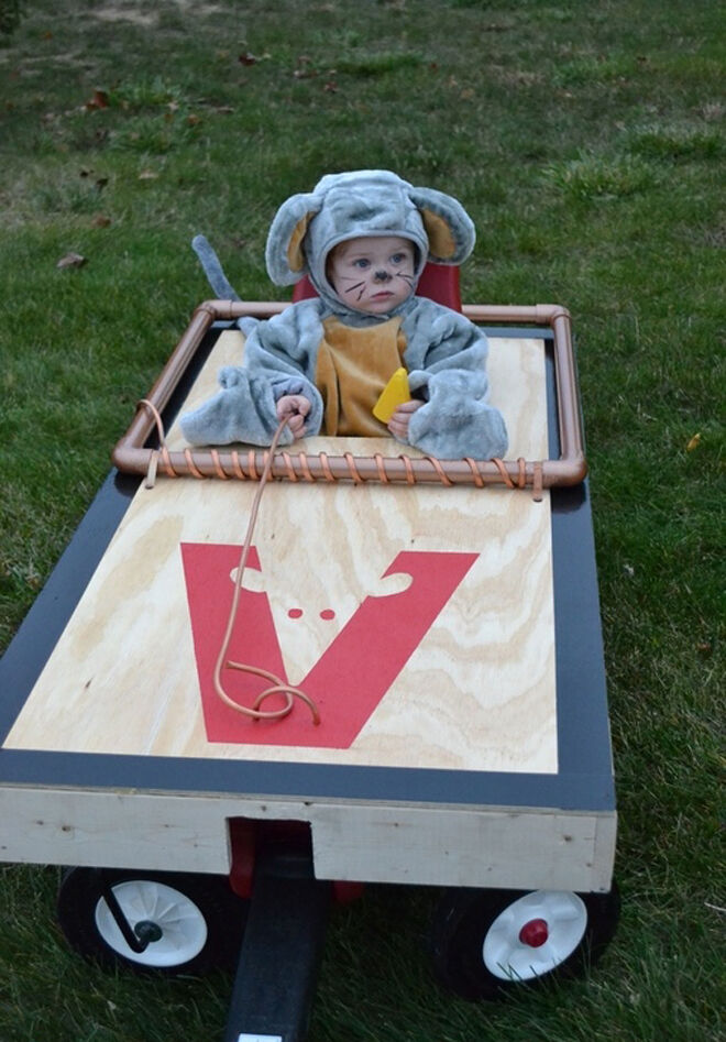 Halloween costume baby mousetrap