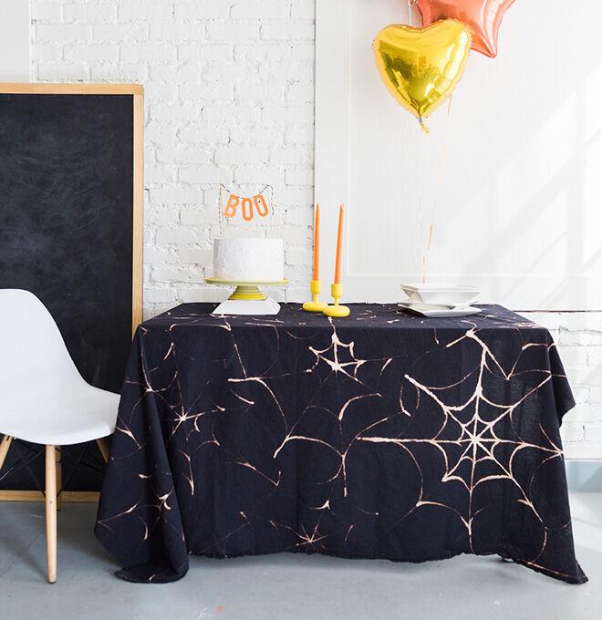 Halloween diy spiderweb tablecloth