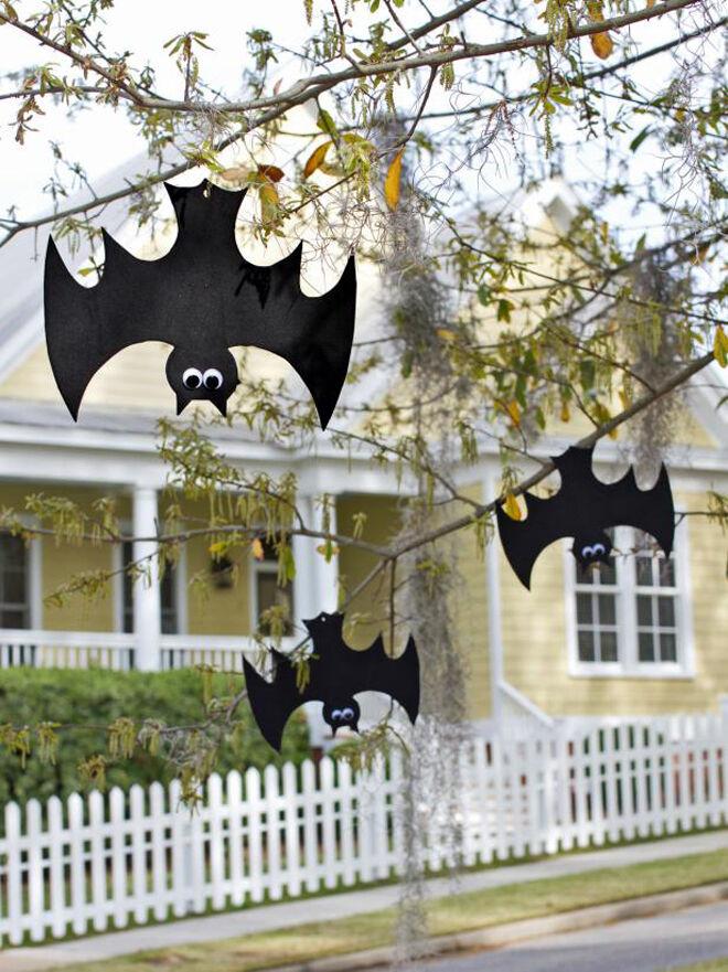 halloween decorations: hanging bats