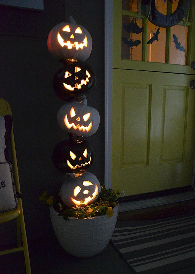 stacked pumpkin topiary for Halloween