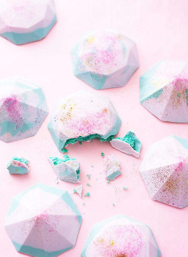 Pink and blue gender reveal cake gems