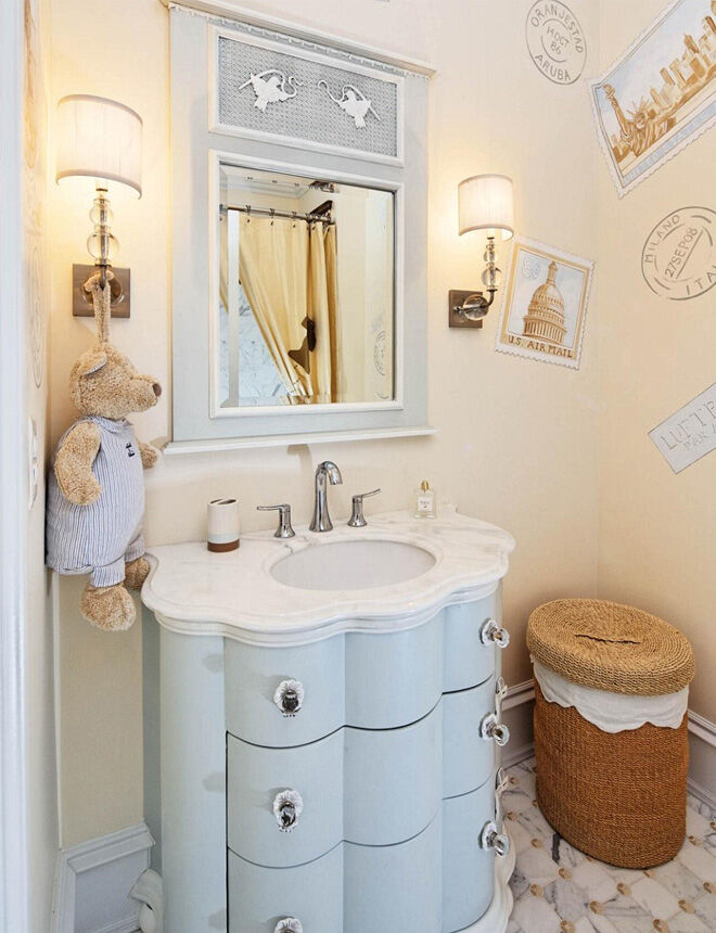 Luxe child's bathroom
