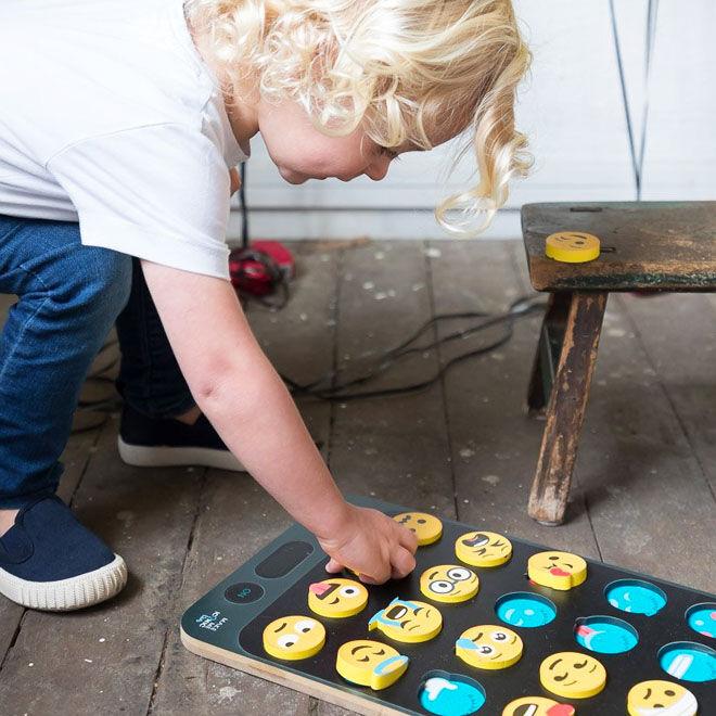 Make Me Iconic Emoji Puzzle