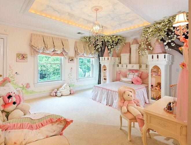 Castle bed children's bedroom