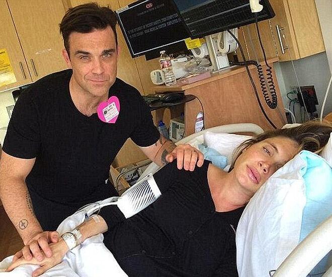 Robbie Williams tweets second birth