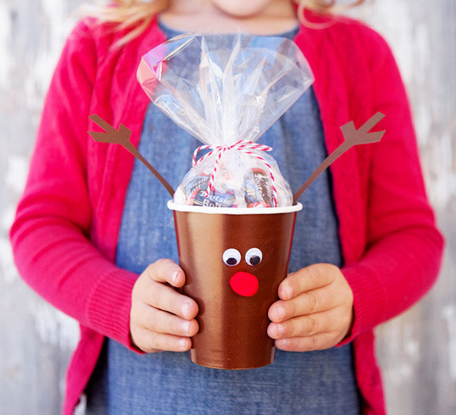 Simple Christmas treat cups