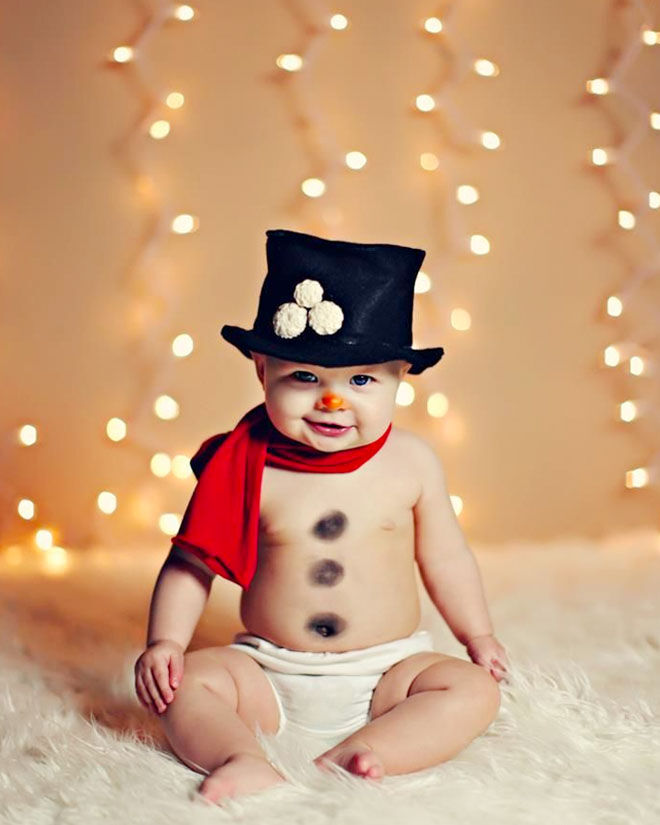 Cute baby Christmas photo idea, Frosty the Snowman