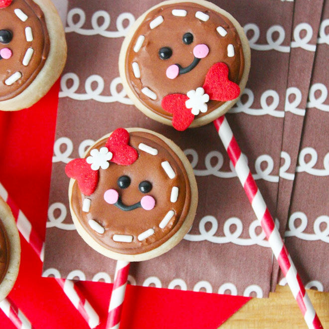 Ginger Christmas cookie pops